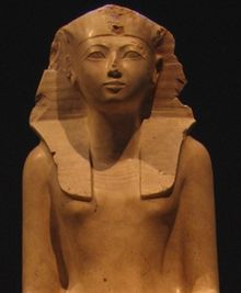 Statue of Hatshepsut on display at the Metropolitan Museum of Art/ Wikipedia