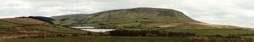 1440px-Pendle_Hill_panorama_(nagualdesign).jpg