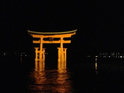 15L28 Great Torii.jpg