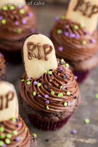 Graveyard-Cupcakes-4